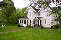 Meadowood Bed and Breakfast Inn - Bed and Breakfast